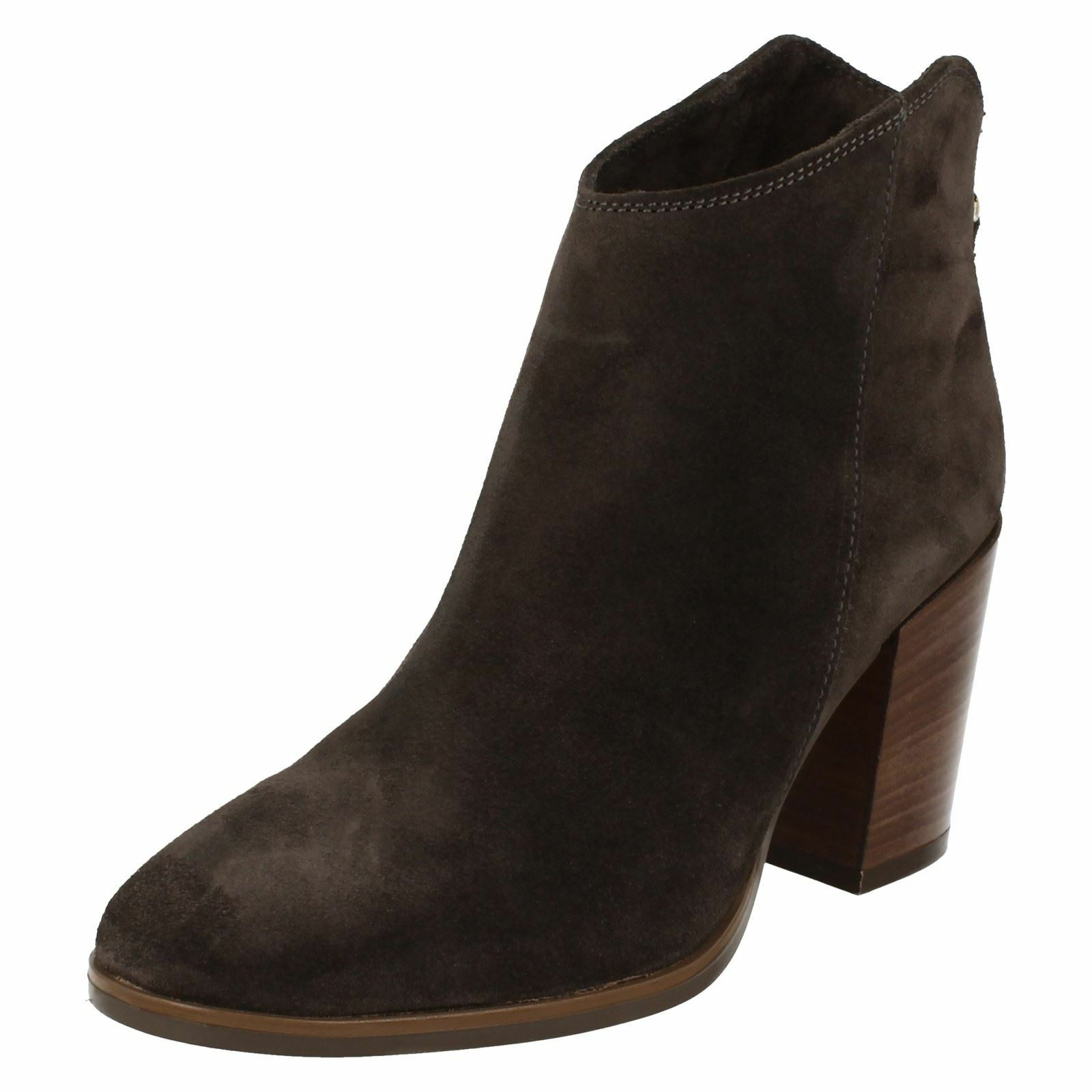 Ladies Clarks High Heel Lora Rear Zip Ankle Boots Lora Heel Lana 6b2b84