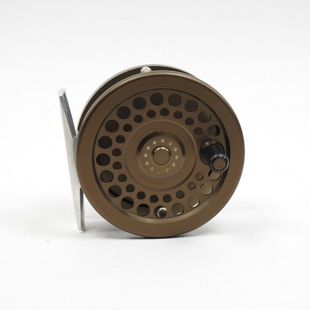 Aeon Zero4 Fly Fishing Reel. Made in Japan.