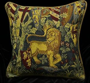 2-x-Piped-SCATTER-CUSHION-COVERS-Medieval-Tapestry-Designs-Lion-Unicorn-42cm-sq