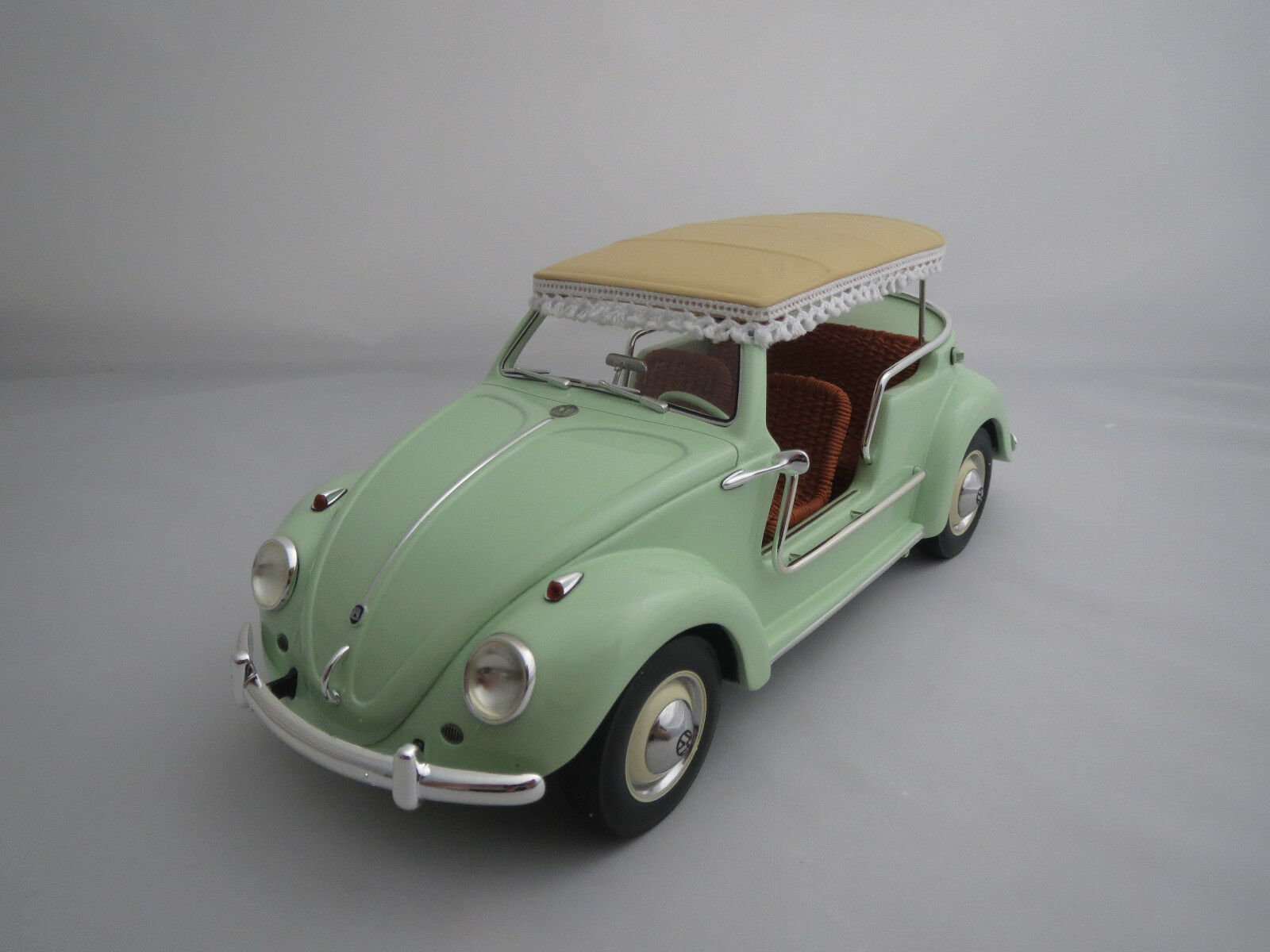Schuco VW Beetle  JOLLY   hellmint  1 18 neuf dans sa boîte