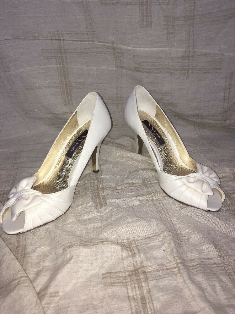 Nina Forbes Peep-Toe Satin Evening Pumps, Women's - Size 8.5 M, Ivory Luster
