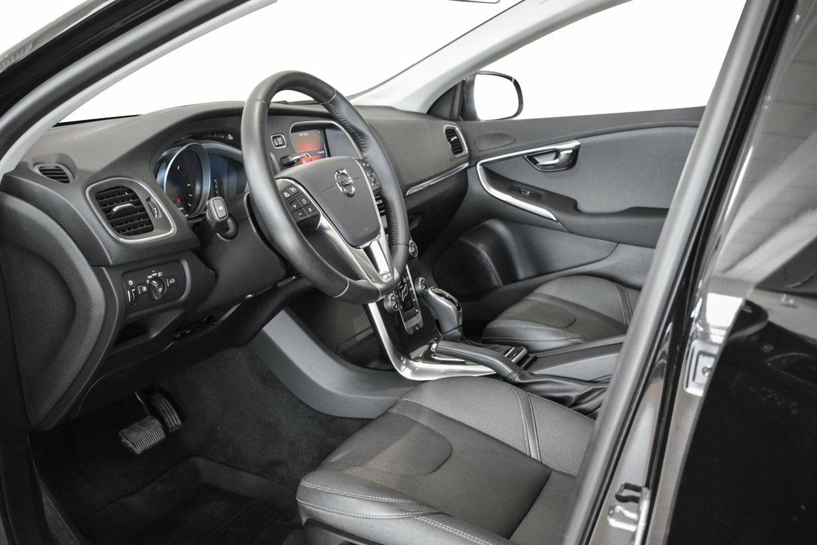 Volvo V40 CC 2,0 D3 150 Momentum aut. - billede 8