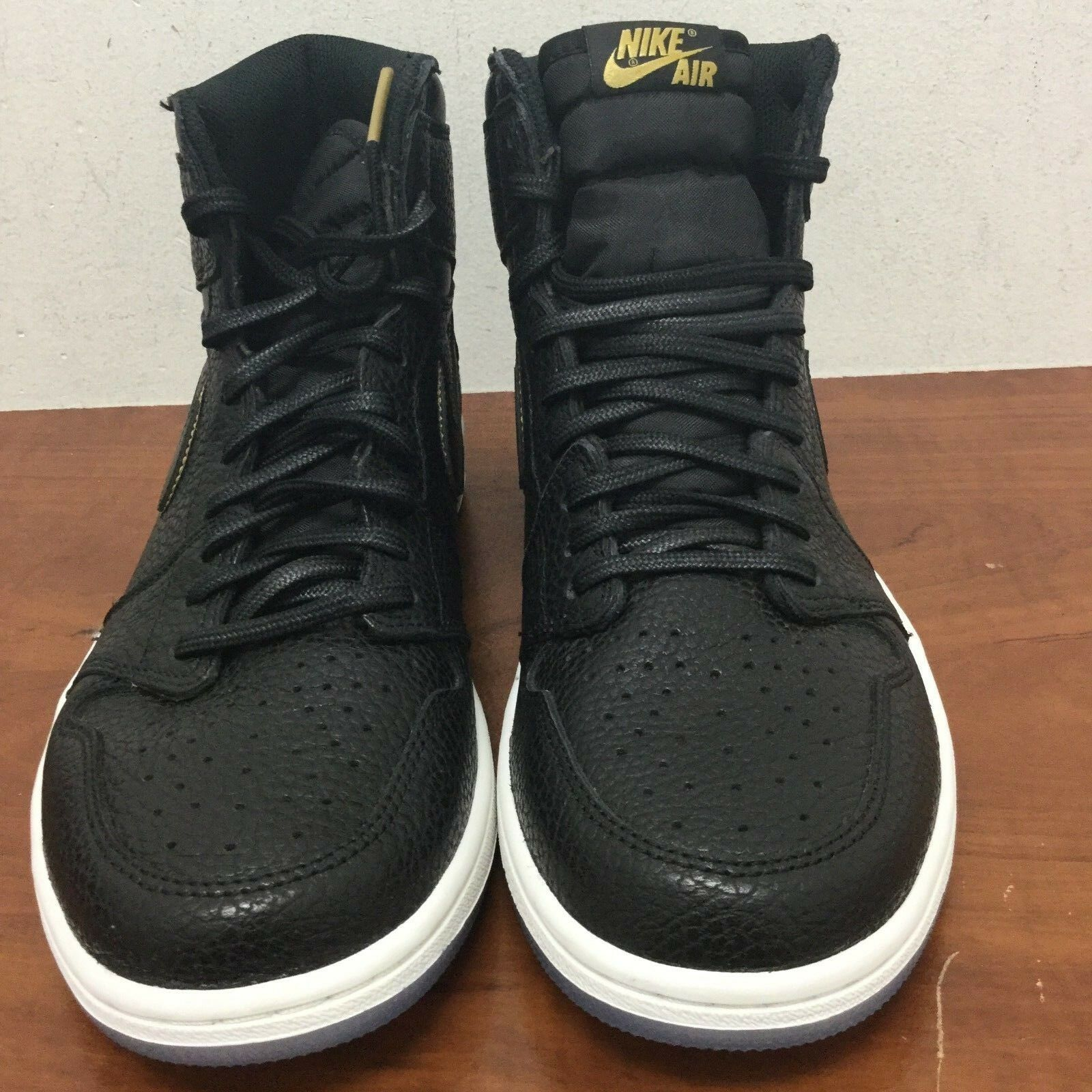 Nike Air Jordan Retro 1 High OG Black Metallic gold 10.5 M US Men's (555088 031)