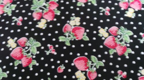100/% algodón negro con fresas Fat Quarters 22x 18ins