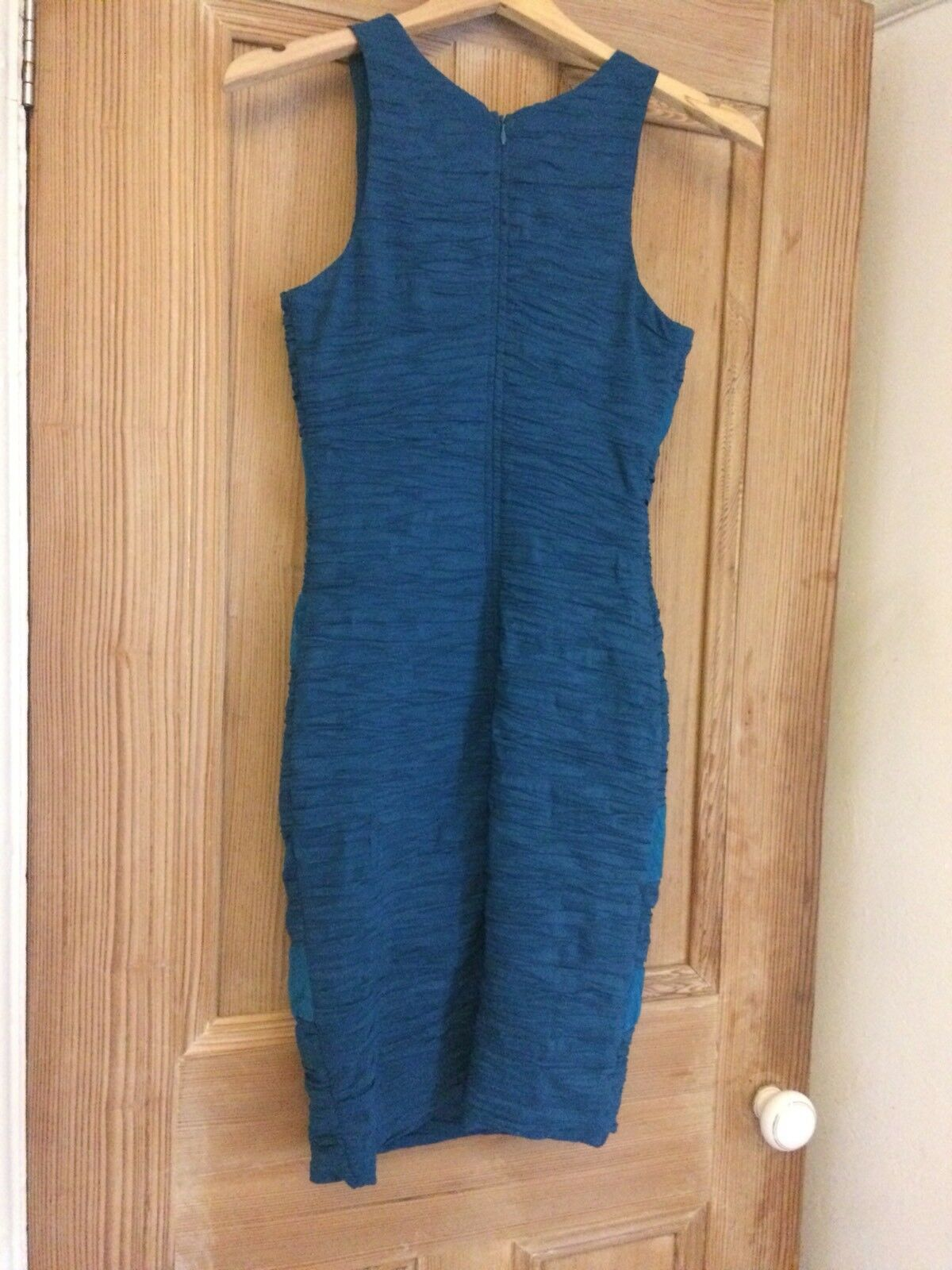 bc046022d054 ... Romeo And Juliet Couture Electric bluee Fitted Fitted Fitted Dress Size  Small dc4e91 ...
