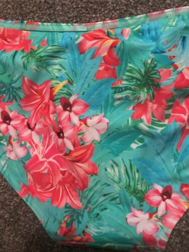 BNWT M/&S Hipsters Floral Bikini Bottoms Pink Mix Size 22  Worth £14 Free P/&p