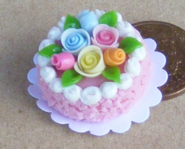 1:12 Scale Round Cake With Strawberry Icing Dolls House Miniature Accessory HP