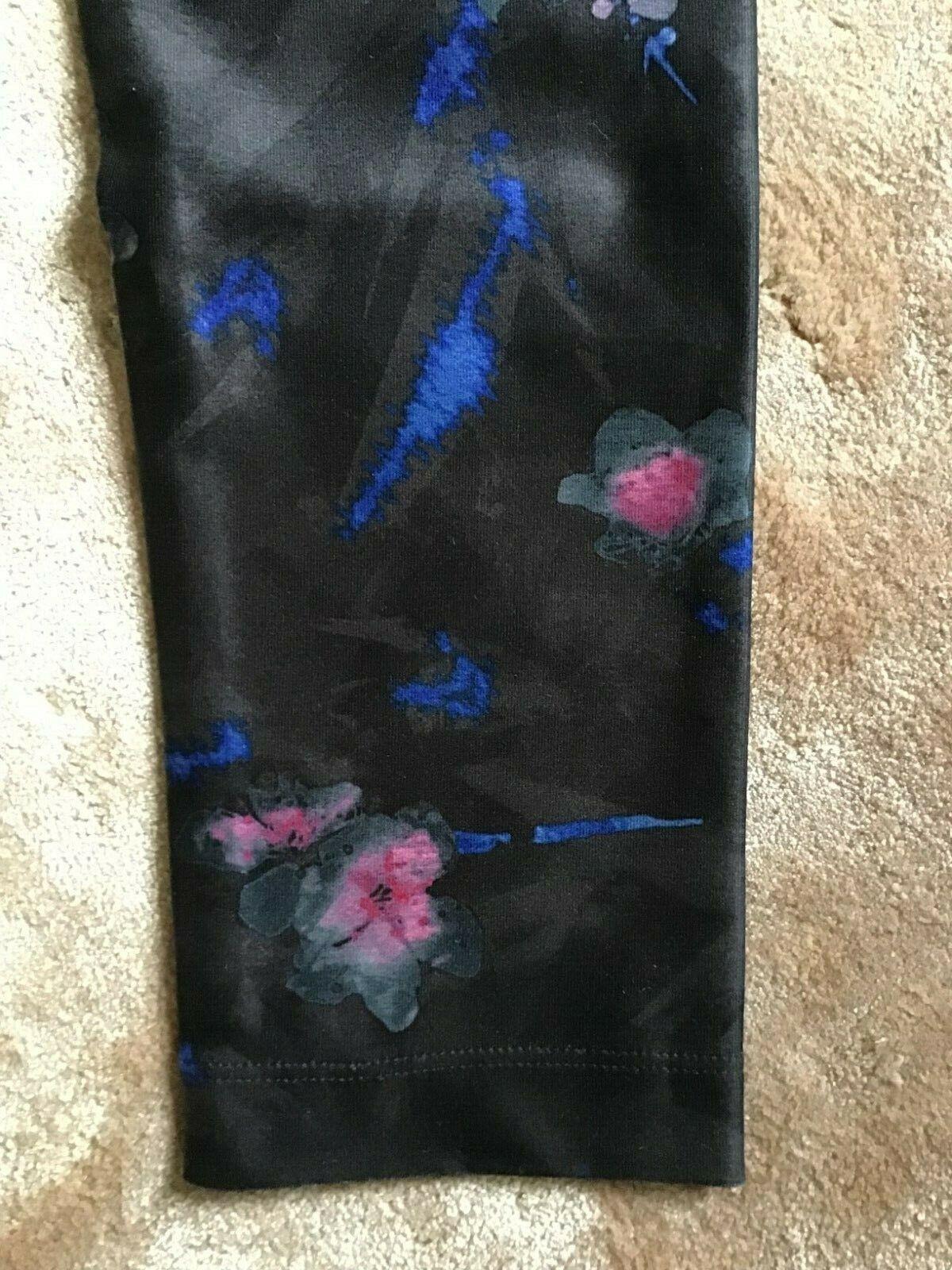 NWT MONDETTA Size XS New Blossom Printed TRAINING Leggings