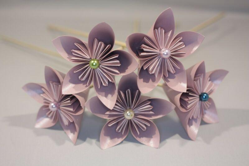 10 Origami Kusudama Flores En Un Papel Nacarado Polvoriento Rosa