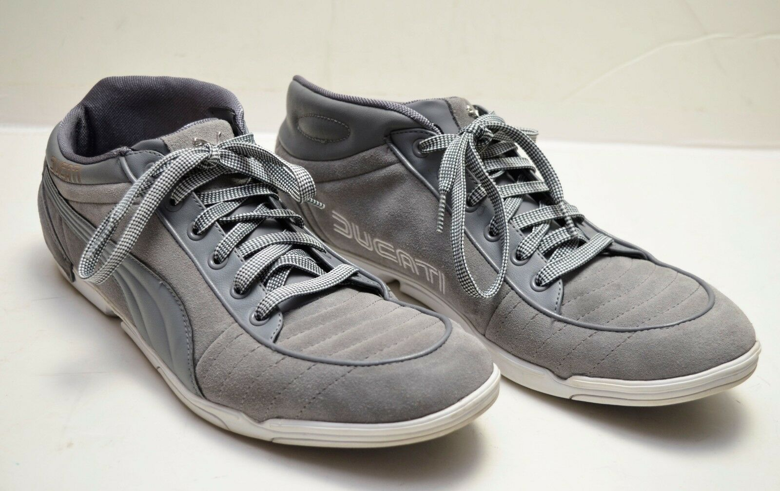 RARE   PUMA - DUCATI 65cc  Men's Suede Leather shoes - Steel Grey   White. Sz 13