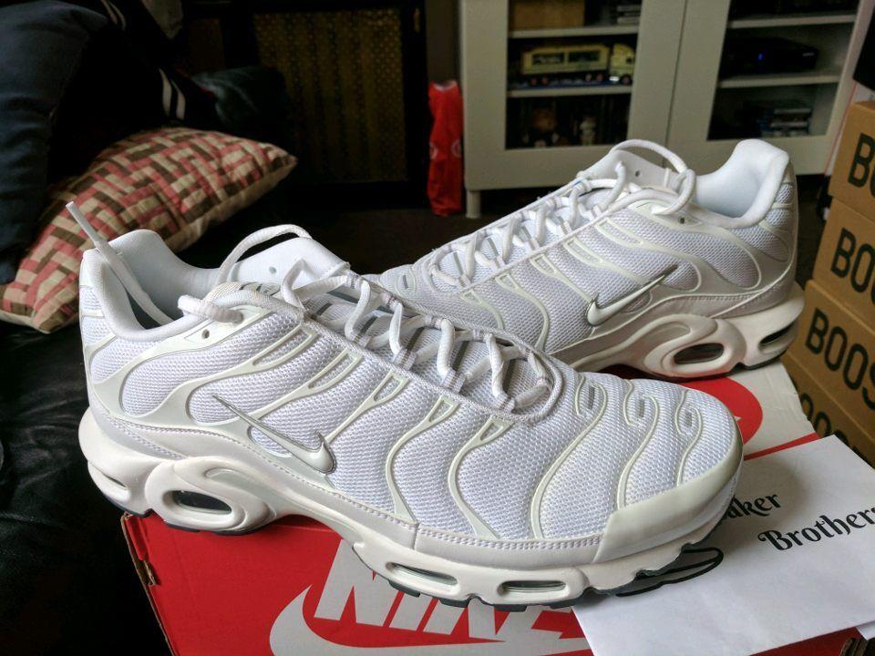 Nike Air Max Plus TN Tuned 1 Triple White Black Cool Grey Trainer Men 604133-139