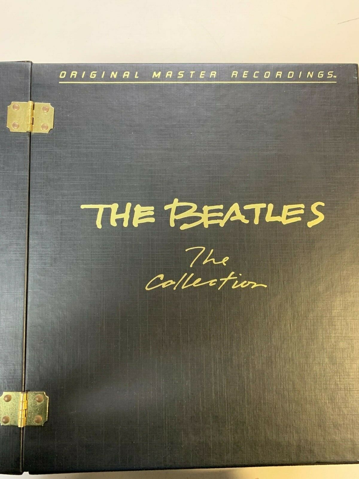 ORIGINAL MASTER RECORDINGS THE BEATLES THE COLLECTION 14 ALBUMS + PHOTO MAGAZINE