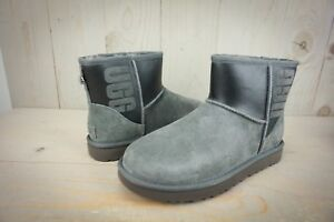 a2efd1cd3e0 Details about UGG CLASSIC MINI UGG RUBBER GRAPHIC GRAY BLACK BOOT WOMENS US  9 NIB