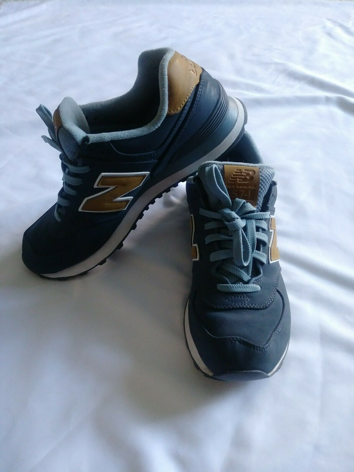 New balance tennis shoes mens 9