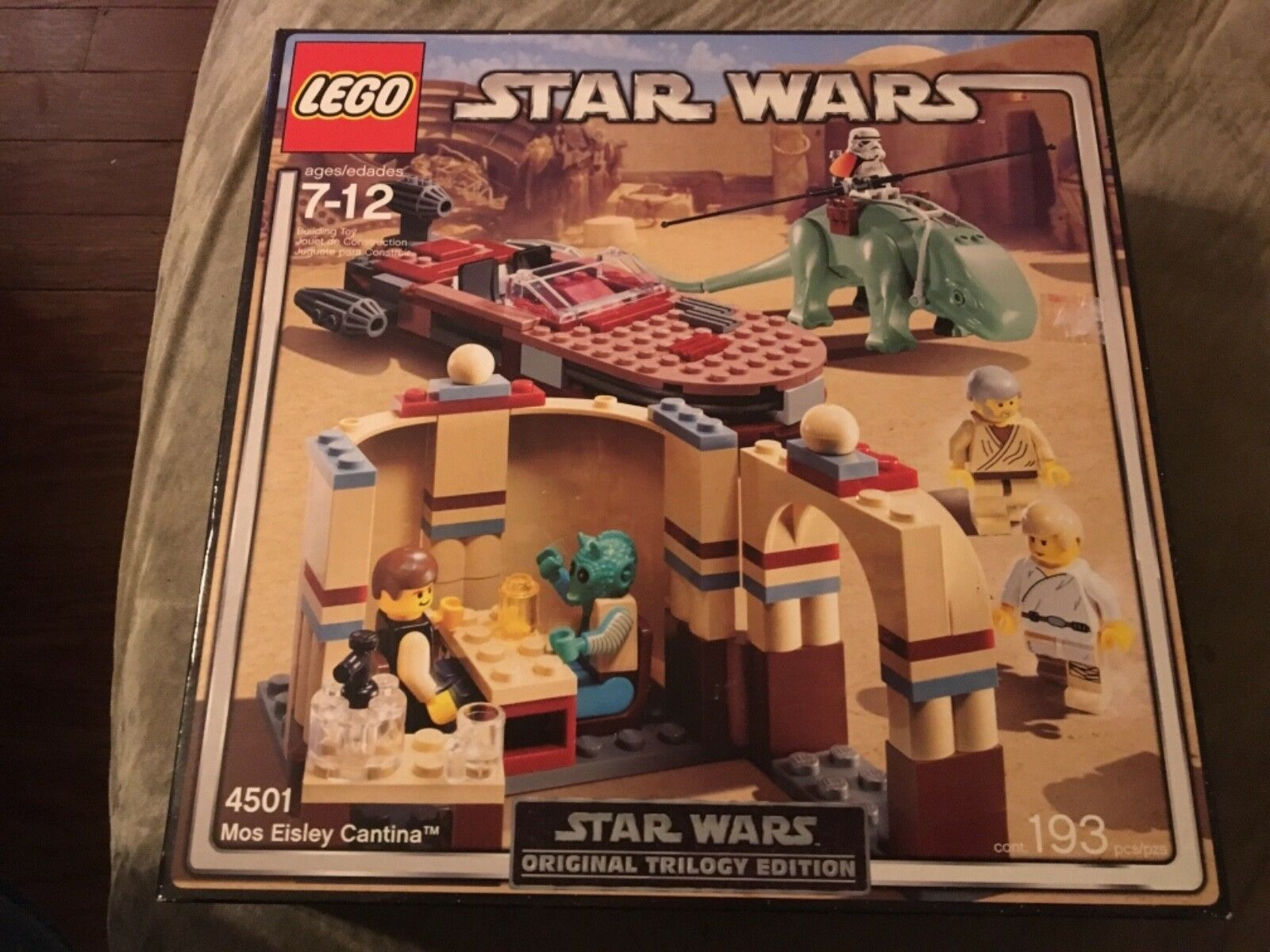 Star Wars LEGO set original trilogy  edition 4501 mos risqué Cantina  livraison gratuite!