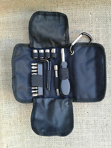 BMW-F800-GS-Adventure-Tool-Bag-Pocket-Tasche-Borsa-Case-Kit-add-on-Bordwerkzeug