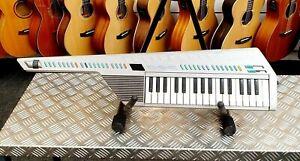 Yamaha-SHS-10S-Vintage-FM-Digital-Synthesizer-Keytar-Sholky