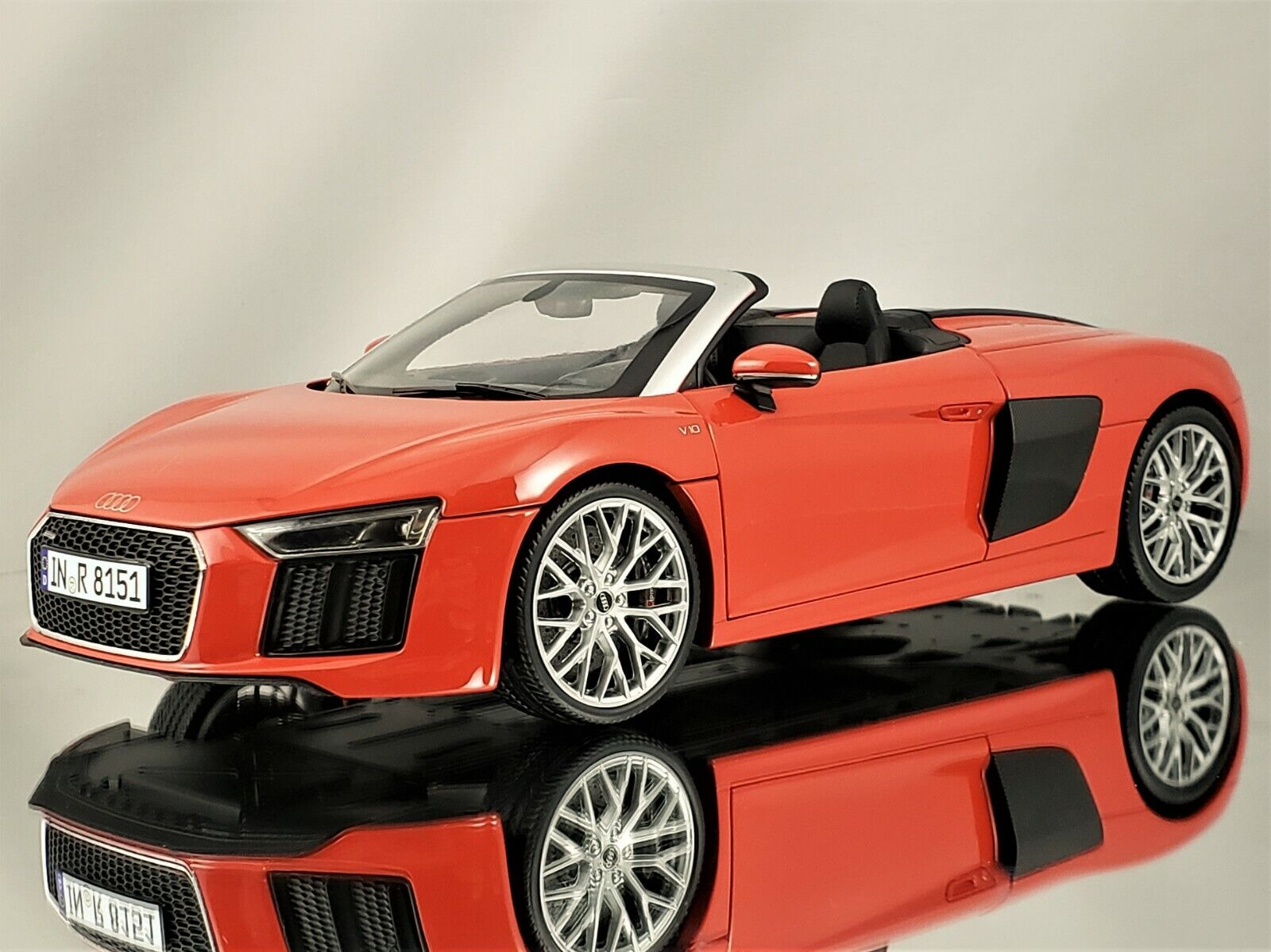 IScale Audi R8 Spyder V10 Dynamite rouge Diecast  Model voiture 1 18  meilleurs prix
