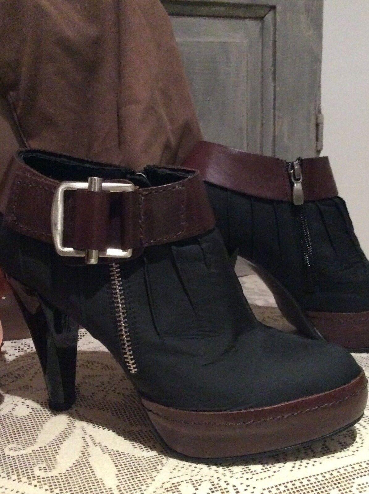 LOLA CRUZ Gorgeous Ankle StiefelHigh HeelDesigner 554T5ILU38 (5)   BNIB