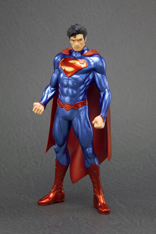 Superman Official New 52 DC Comics ARTFX+ Statue And Stand By Kotobukiya