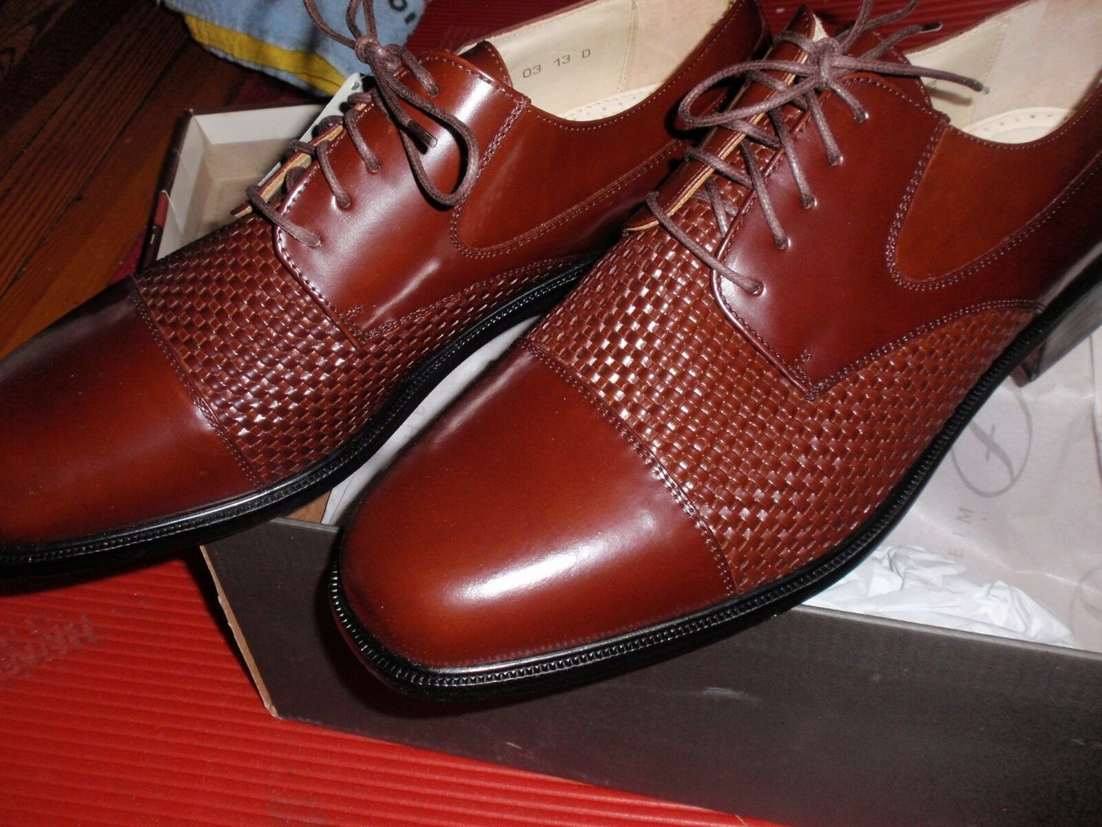 1 NEW PAIR OF FLORSHEIM SIZE 13 SALINGER COGNAC LEATHER SHOES  BROWN
