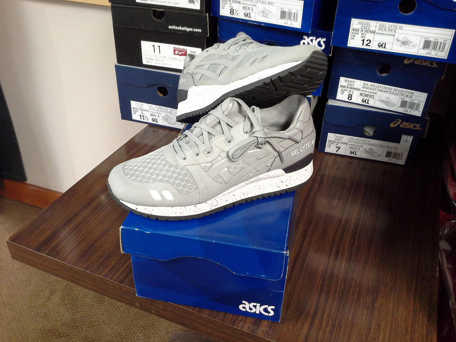 MEN'S ASICS -  GEL-LYTE 111 NS (H5Y0N-1313) - SIZE 8 - 50% OFF CLEARANCE
