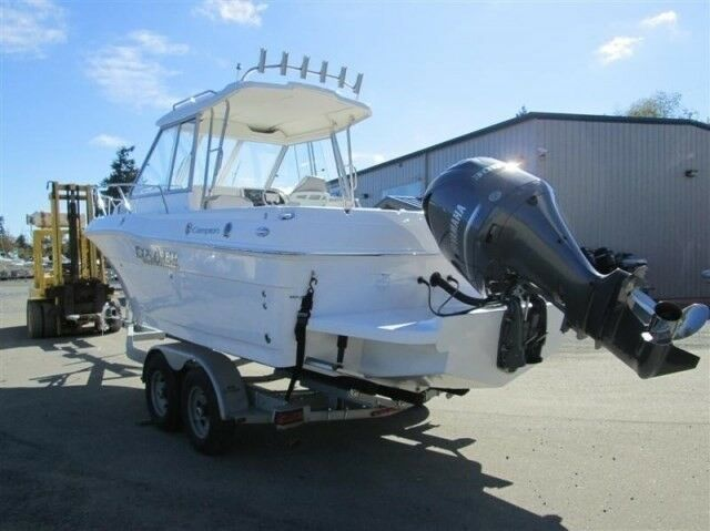 Campion 682 OB SC HT BRA Explorer, Kabinebåd, Yamaha