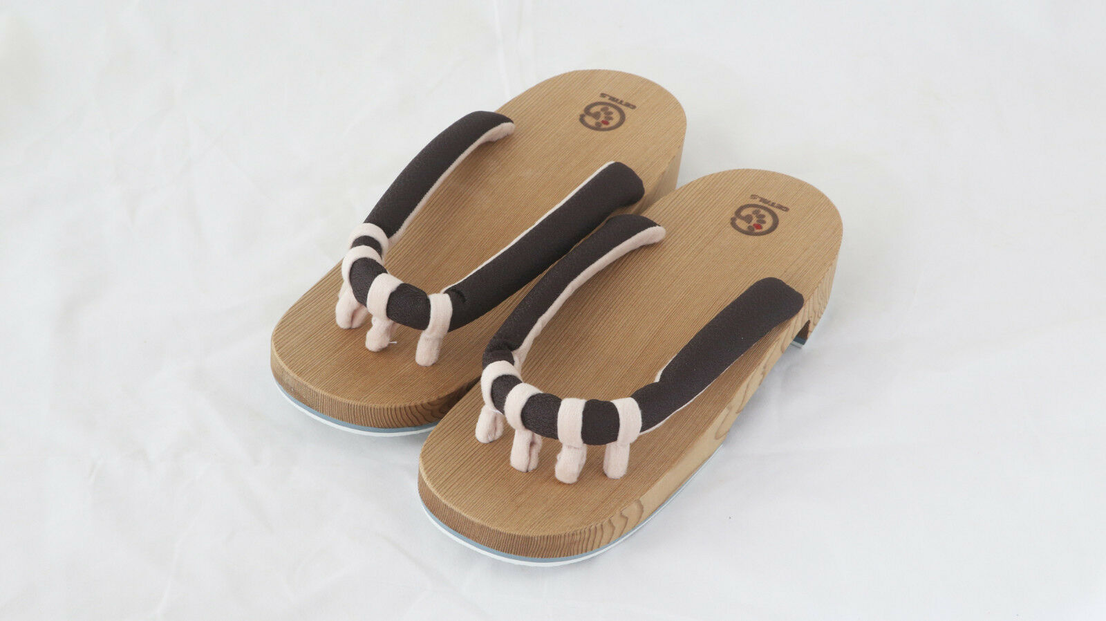 GETALS represent a brand new type of of of geta sandals 7aaa3d