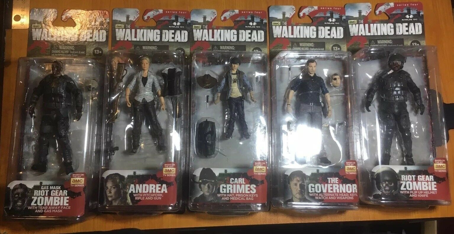 Walking Dead TV Series 4 Action Figure Set MIB Carl Andrea Governor