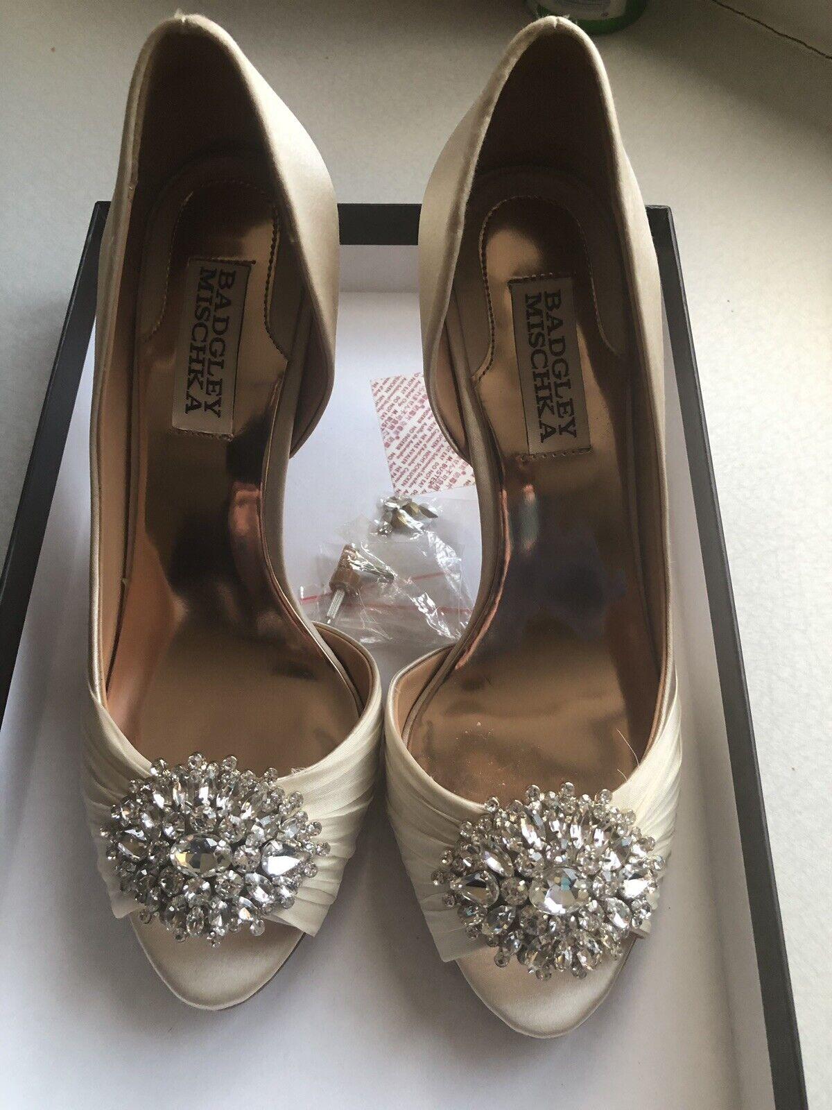 Badgley mischka Wedding shoes Size 4 4 4 587a6c