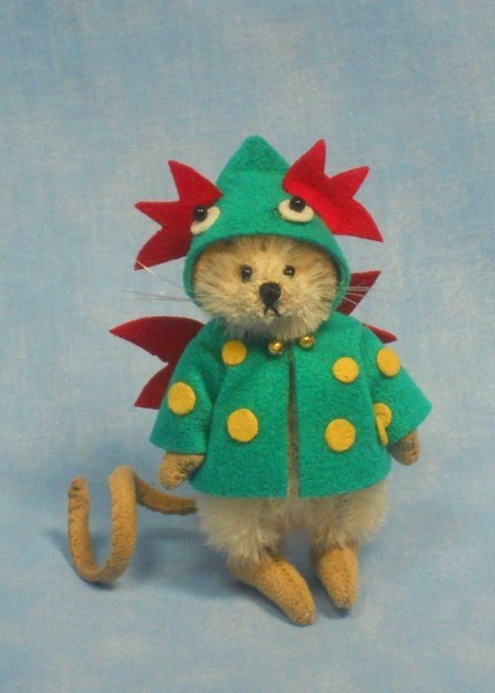 DEB CANHAM   DEXTER  MINI MOUSE WEARING A DRAGON COAT-LIM ED OF 75 -SPRING 2013