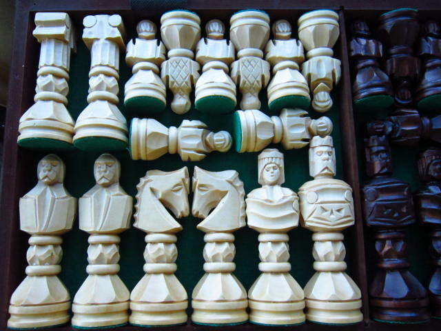 GLADIATOR INTERNATIONAL CHESS NIB HANDMADE IN POLAND