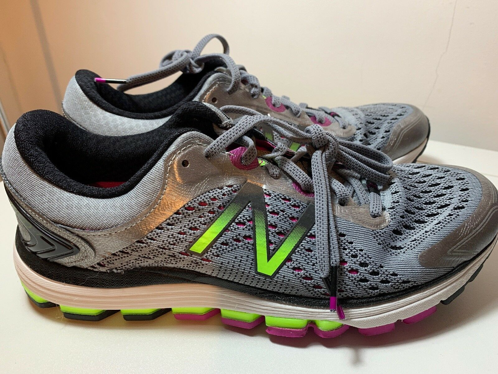 New Balance Damenschuhe 1260v7 Running Trainers Road Schuhes Lace Up Breathable Padded