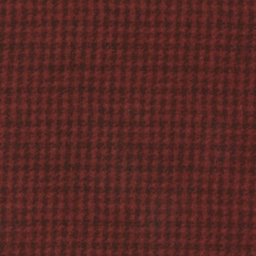 Maywood Studio Woolies Houndstooth Dark Red MASF18503-RJ 100/% Cotton Flannel