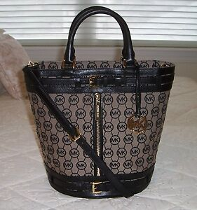 79071e36f194 NWT Michael Kors KINGSBURY Medium Tote Bag Monogram Jacquard Bg/Blk ...