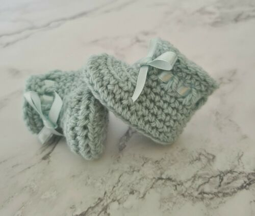 New Handmade Crochet Newborn Baby Girl Boy Booties Shoes for Gift or Christening