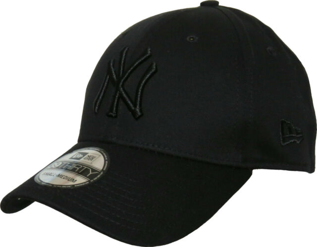 NY Yankees New Era 3930 League Basic All Black Stretch Fit Baseball Cap b99c216e319