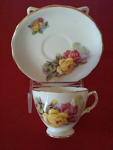 Royal-Kent-Fine-Bone-China-Cup-amp-Saucer-8263-Roses-Staffordshire-England