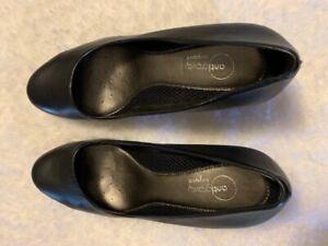 Anti-Gravity Black Heels Size 7 Wide