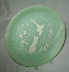 NEW-ZEALAND-MARLESTONE-HANDCRAFTED-CULTURED-MARBLE-DISPLAY-PLATE-amp-STAND