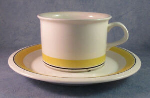 ARABIA-OF-FINLAND-Faenza-Yellow-Stripe-Vintage-Tea-Cup-amp-Saucer