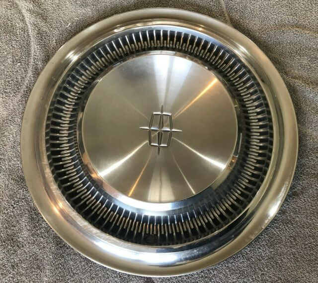 "1966 LINCOLN CONTINENTAL 15"" HUBCAP C6VY-1130-A - HOLLANDER 996"