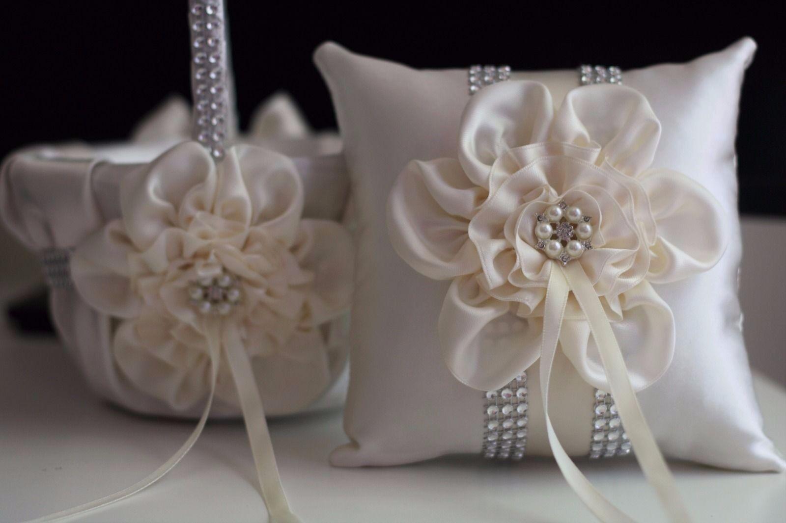 Ivory Crème Mariage Flower Girl panier et anneau porteur Oreiller Avec Broche