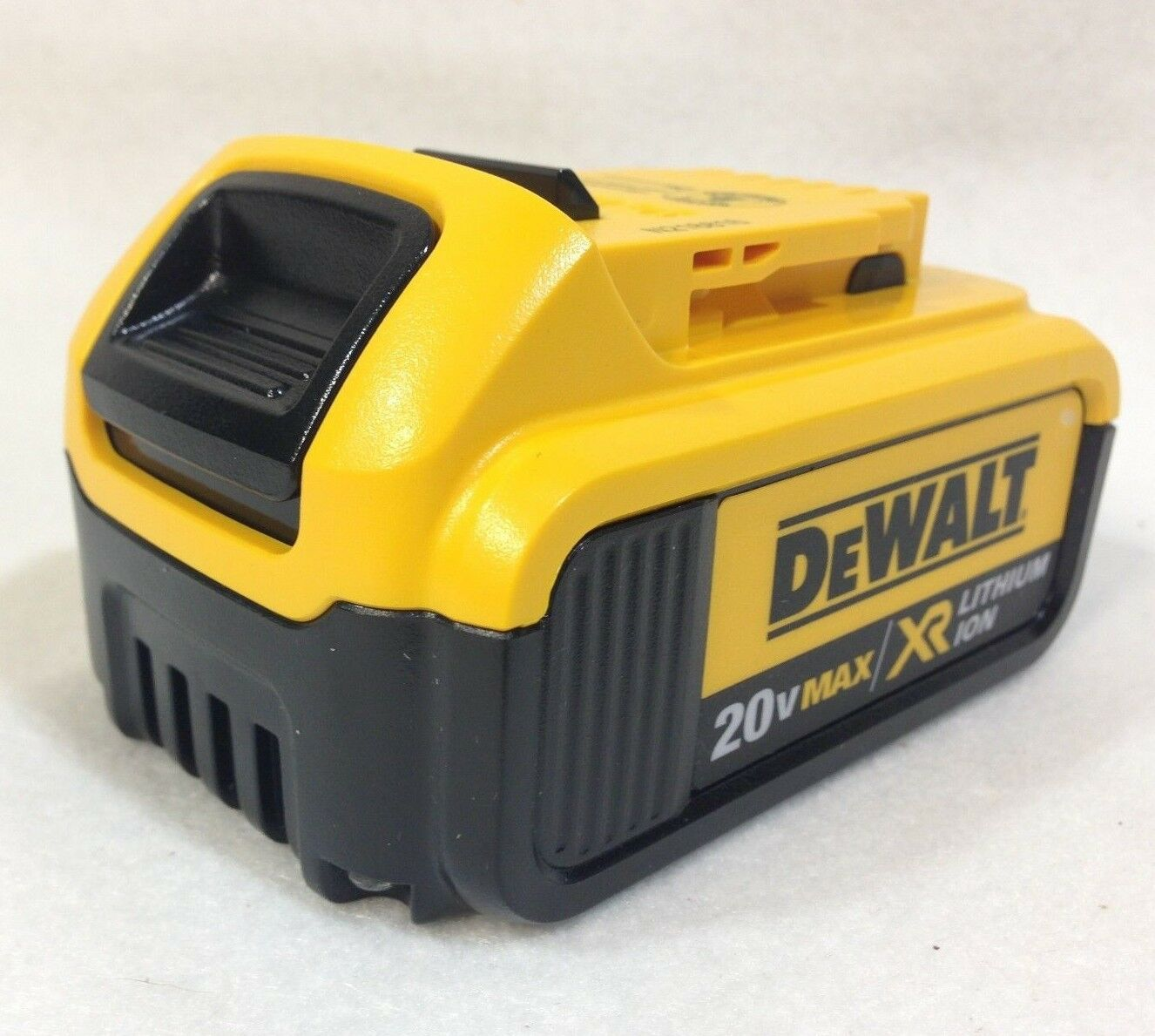 Dewalt DCB204 New 20V MAX XR 4.0 Ah Li-Ion Battery  - 2018 GENUINE