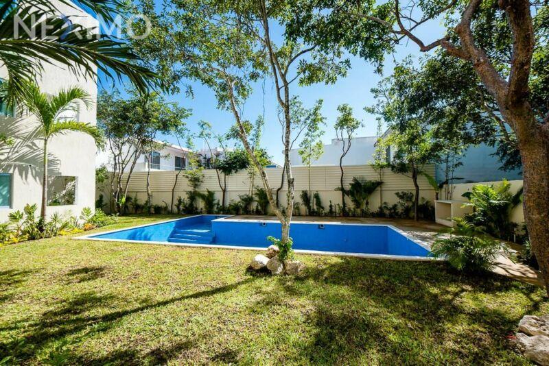 Departamento en venta, cerca de la playa, en Playa del Carmen, Quintana Roo.