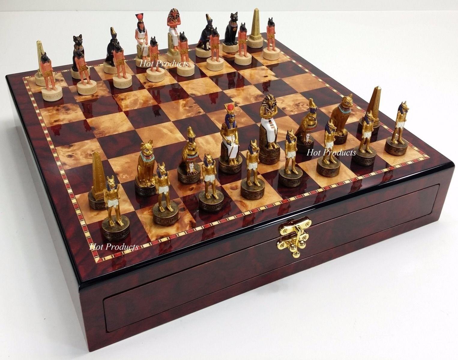 Buff y oro egipcia hombres juego de ajedrez con 17  Placa de almacenamiento de información Brillo Color Cerezo