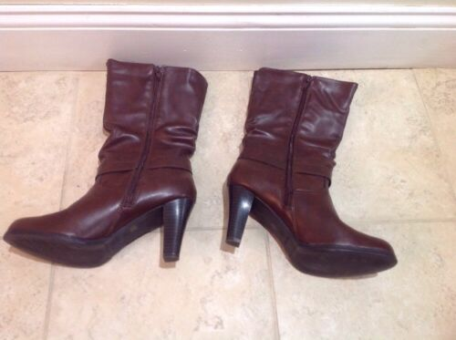 f79a44d3f89a ... Jc Penney Women s Junior Size 8 1 2 Buckle Side Zip Leather Brown Mid  Calf