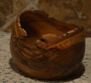 BEAUTIFUL HAND TURNED WOOD BOWL~OAK~FOR DISPLAY~SUCH CHARACTER~BY ARTIST REX '02