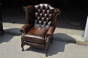 chesterfield sessel in dunkel braun hohe lehne direkt aus england. Black Bedroom Furniture Sets. Home Design Ideas