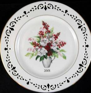 Lenox-COLONIAL-BOUQUET-Collectible-Plate-2001-EXCELLENT-PREOWNED-CONDITION
